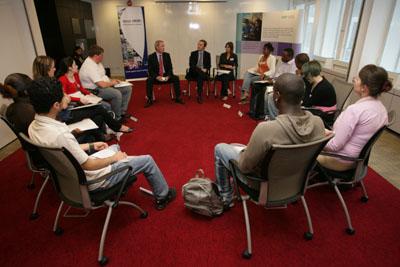 کلاس های بحث آزاد و فیلم - موسسه ایران اروپا